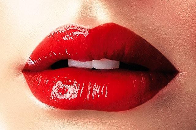 声を響かせるための口の形